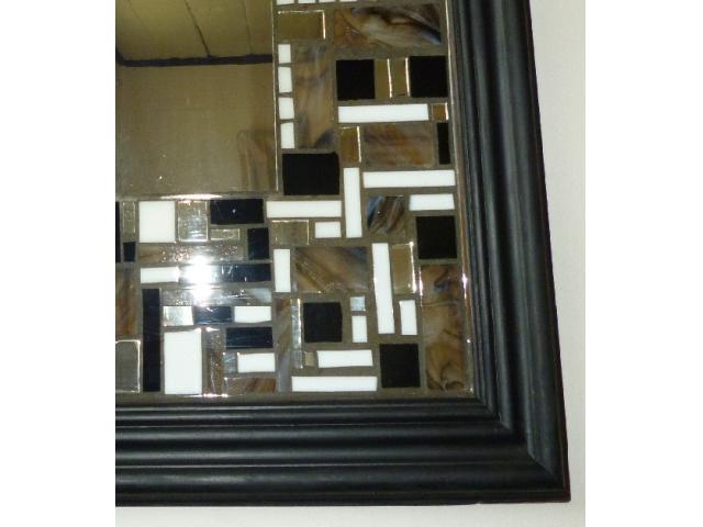 Marcos de espejos decorados madera solida montes de oca for Espejos de pared madera